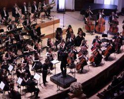 Միջազգային մրցույթի մասնակիցները ելույթ են ունենում Հայաստանի պետական սիմֆոնիկ նվագախմբի հետ